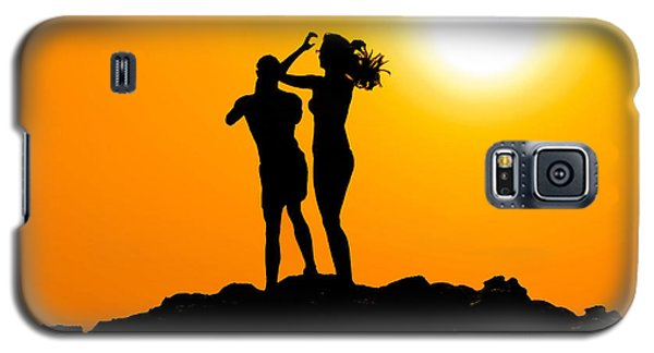 Man And Woman Silhouette At Sunset Galaxy S5 Case by Brch Photography
