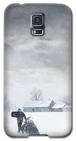Man Carrying Tree For Christmas Galaxy S5 Case