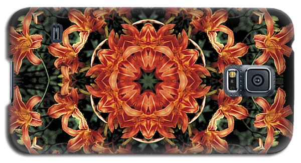Galaxy S5 Case featuring the photograph Mandala Daylily by Nancy Griswold