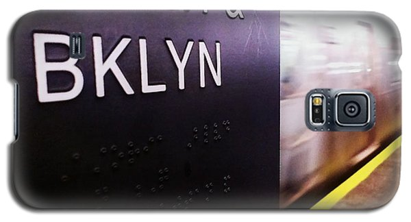 Galaxy S5 Case featuring the photograph Manhattan And Brooklyn by James Aiken