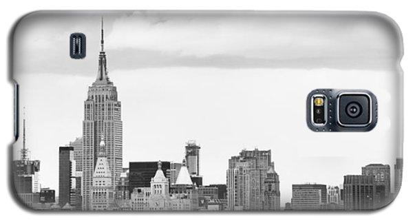 Manhattan Skyline Galaxy S5 Case by Takeshi Okada
