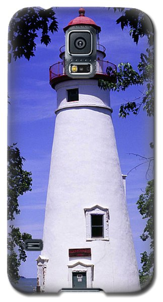 Galaxy S5 Case featuring the photograph Marblehead Light by Terri Harper