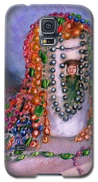 Galaxy S5 Case featuring the painting Mardi Gras Beads In Louisiana by Lenora  De Lude