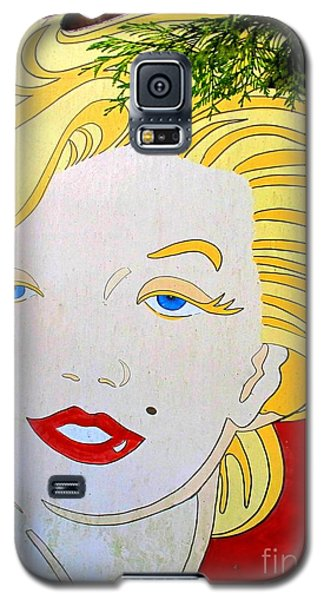 Galaxy S5 Case featuring the photograph Marilyn by Ethna Gillespie