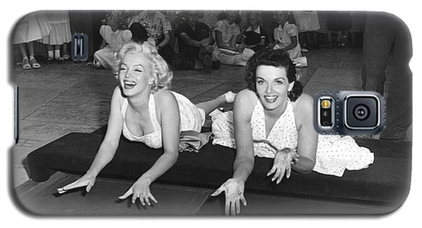 Marilyn Monroe And Jane Russell Galaxy S5 Case by Underwood Archives