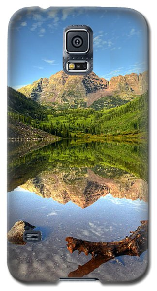 Maroon Bells And Maroon Lake Galaxy S5 Case by Ken Smith