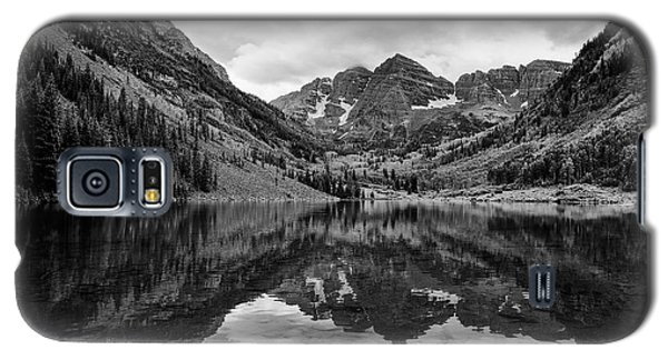 Galaxy S5 Case featuring the photograph Maroon Bells - Aspen - Colorado - Black And White by Photography  By Sai