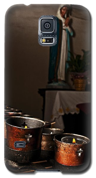 Galaxy S5 Case featuring the photograph Mary's Candles by Andy Crawford