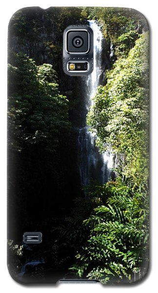 Galaxy S5 Case featuring the photograph Maui Waterfall by Fred Wilson