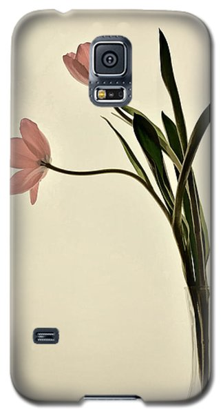 Mauve Tulips In Glass Vase Galaxy S5 Case
