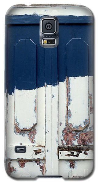 Galaxy S5 Case featuring the photograph Maybe Blue by Robert Riordan