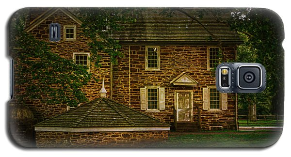 Galaxy S5 Case featuring the photograph Mcconkey's Ferry Inn by Debra Fedchin