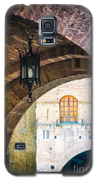 Galaxy S5 Case featuring the photograph Medieval Arches With Lamp by Silvia Ganora