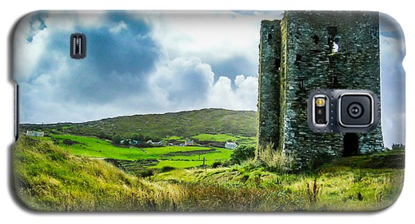 Medieval Dunmanus Castle On Ireland's Mizen Peninsula Galaxy S5 Case