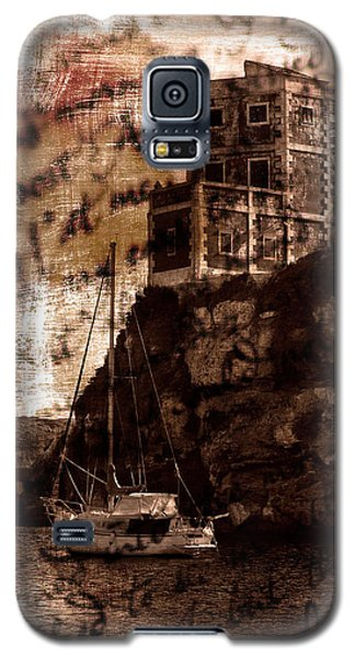 Galaxy S5 Case featuring the photograph Memories By The Sea by Pedro Cardona