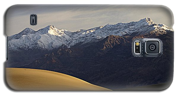 Galaxy S5 Case featuring the photograph Mesquite Dunes And Grapevine Range by Joe Schofield