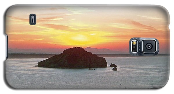 Galaxy S5 Case featuring the photograph Mexican Riviera Sunset by Gena Weiser