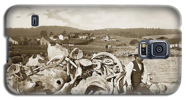 Michael Noon Sitting On A  Pile Of Whale Bones Monterey Wharf  Circa 1896 Galaxy S5 Case