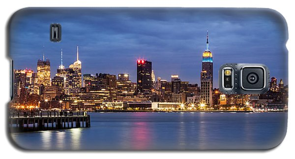 Galaxy S5 Case featuring the photograph Midtown Manhattan by Mihai Andritoiu