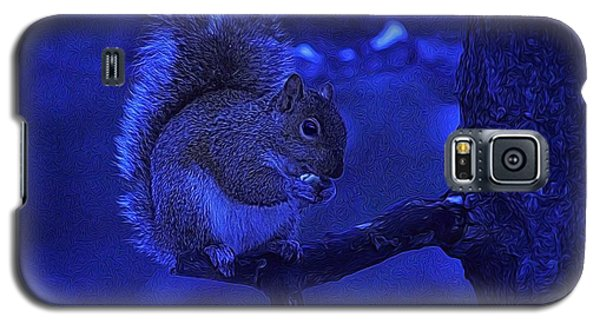 Midwinter Snack Galaxy S5 Case by Dennis Lundell