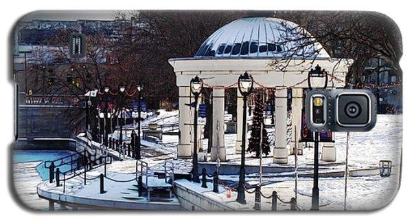 Milwaukee River Walk 3 - Pere Marquette Park - Winter 2013 Galaxy S5 Case
