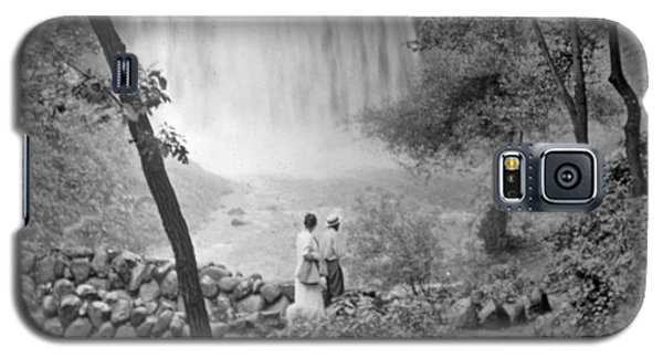 Galaxy S5 Case featuring the photograph Minnehaha Falls Minneapolis Minnesota 1915 Vintage Photograph by A Gurmankin