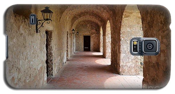 Mission Concepcion Promenade Walkway In San Antonio Missions National Historical Park Texas Galaxy S5 Case by Shawn O'Brien