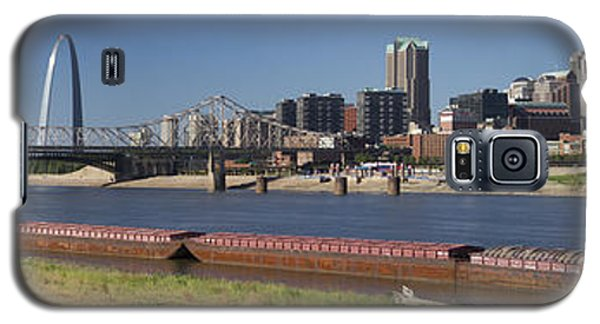 Mississippi River And St Louis Skyline Panorama Galaxy S5 Case by Garry McMichael