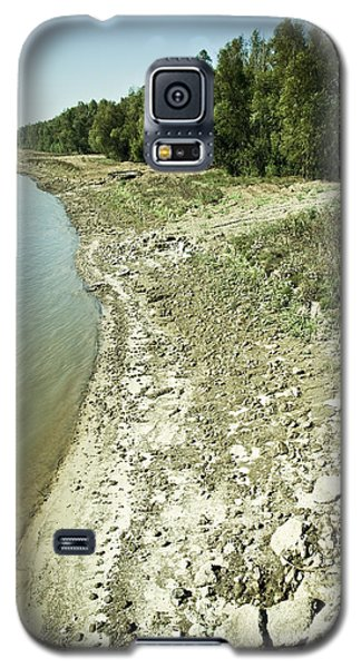 Galaxy S5 Case featuring the photograph Mississippi River In Louisiana by Ray Devlin
