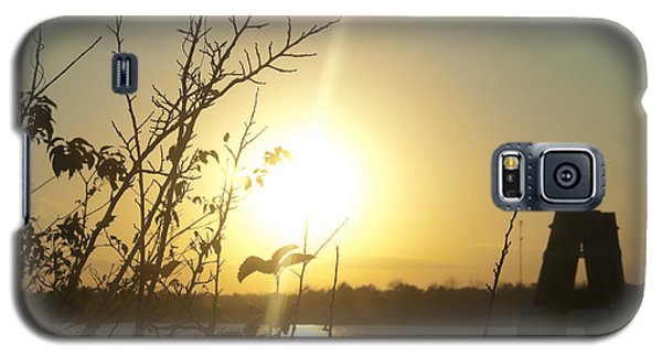 Galaxy S5 Case featuring the photograph Mississippi River Sunset by Ray Devlin