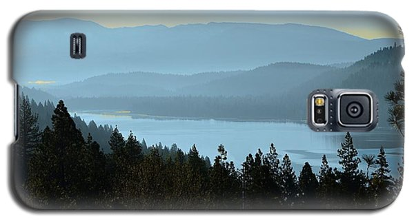 Misty Morning At Donner Lake Galaxy S5 Case