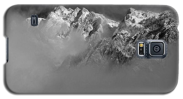Misty Mountains In Mono Galaxy S5 Case