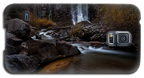 Galaxy S5 Case featuring the photograph Misty Run by Steven Reed
