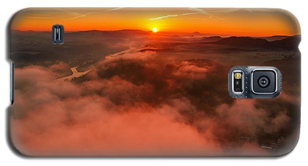 Misty Sunrise On The Lilienstein Galaxy S5 Case