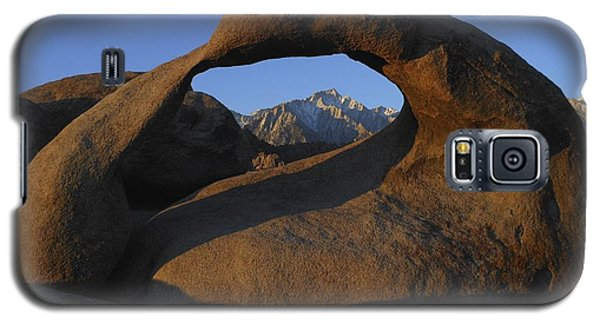 Mobius Arch And Snow Capped Peak Galaxy S5 Case