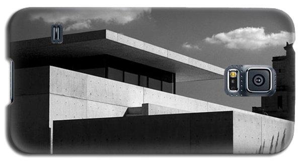 Modern Concrete Architecture Clouds Black White Galaxy S5 Case