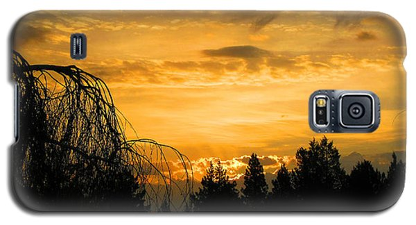 Galaxy S5 Case featuring the photograph Modoc Sunrise by Jennifer Muller