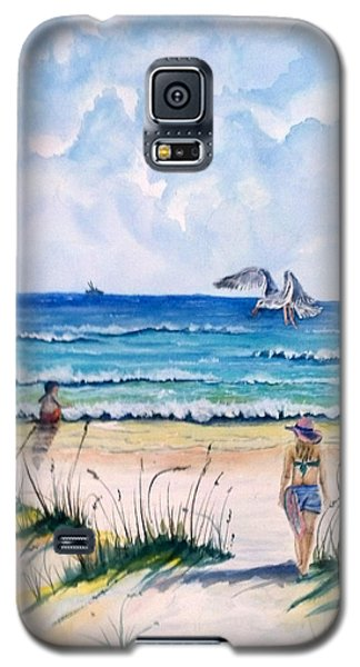 Galaxy S5 Case featuring the painting Mom Son Beach by Richard Benson