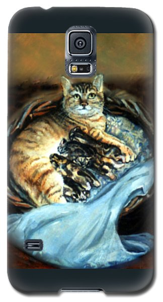 Galaxy S5 Case featuring the painting Mom With Her Kittens by Donna Tucker
