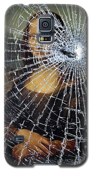 Galaxy S5 Case featuring the photograph Mona Lisa Shattered by Brian Carson