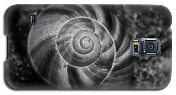 Galaxy S5 Case featuring the photograph Monochrome Swirl by Mary Zeman