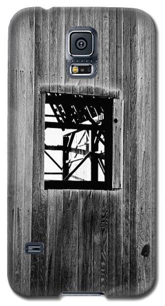 Galaxy S5 Case featuring the photograph Monroe Co. Michigan Barn Window by Daniel Thompson