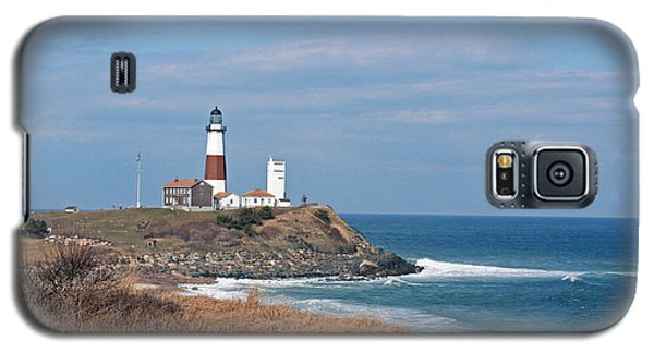 Galaxy S5 Case featuring the photograph Montauk Lighthouse/camp Hero by Karen Silvestri