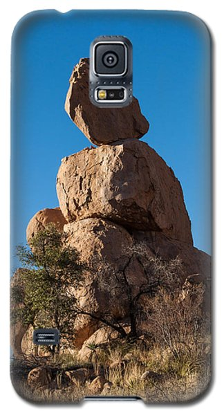 Galaxy S5 Case featuring the photograph Monument by Beverly Parks