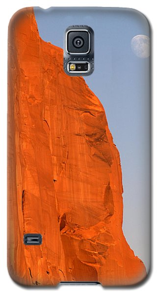 Galaxy S5 Case featuring the photograph Moon At Monument Valley by Jeff Brunton