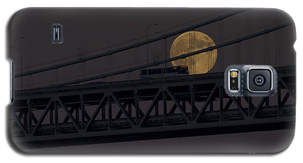Galaxy S5 Case featuring the photograph Moon Bridge Bus by Kate Brown
