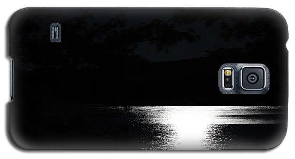 Moon On Waterton Lake Galaxy S5 Case