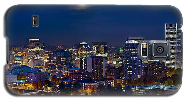 Moon Over Portland Oregon City Skyline At Blue Hour Galaxy S5 Case