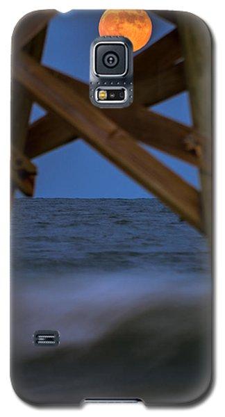 Moon Rise Under Pier Galaxy S5 Case