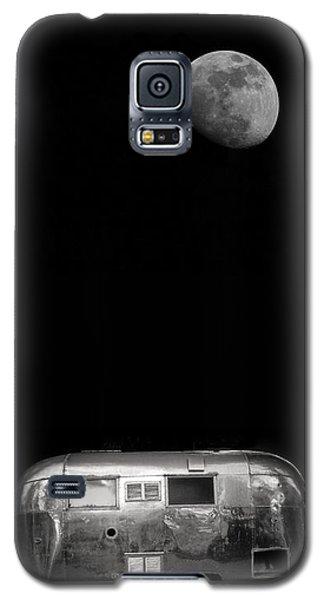 Moonrise Over Airstream Galaxy S5 Case